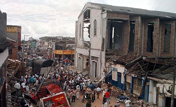 Fotos del terremoto en armenia colombia 35