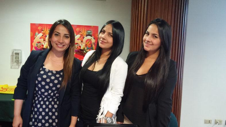 Eliana y Daniela Osorio y Janita Martinez
