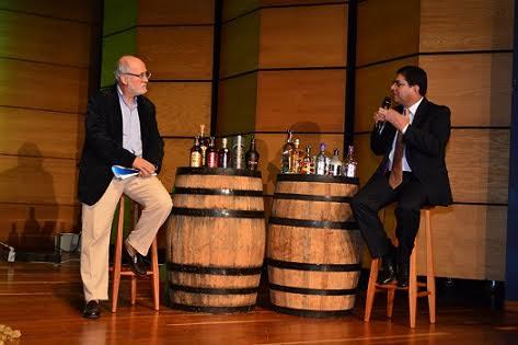 Gobernador y Luis Roberto Rivas en la Licorera