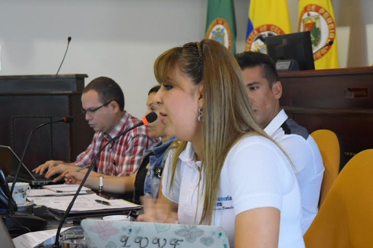 Sandra Lorena Cárdenas personera interviene en el concejo de pereira
