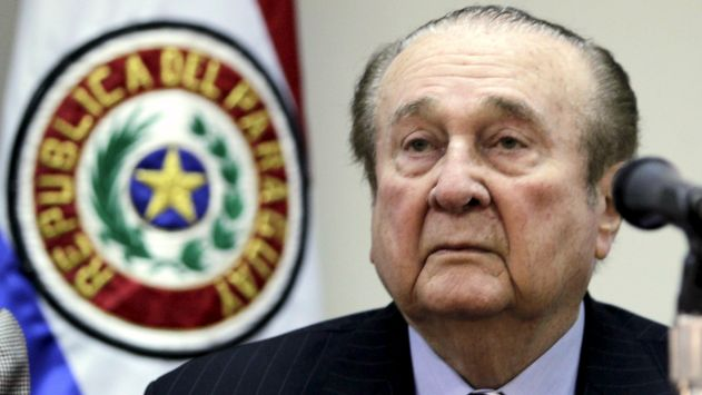 Nicolas Leoz, president of South American soccer body Conmebol, attends a news conference in this file picture taken in Asuncion, in Paraguay, April 23, 2013. Swiss police arrested some of the most powerful figures in global football on May 27, 2015, announcing a criminal investigation into the awarding of the next two world cups and plunging the world's most popular sport into turmoil. In addition to the Swiss criminal probe, at least six football officials and a number of sports media and promotions executives would face extradition to the United States to face corruption charges involving more than $100 million in bribes. Leoz is amongst the nine current and former FIFA officials indicted on Wednesday for racketeering, conspiracy and corruption. REUTERS/Jorge Adorno/Files