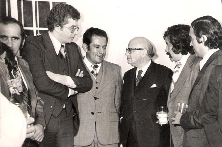 Carlos Murica y varios periodistas
