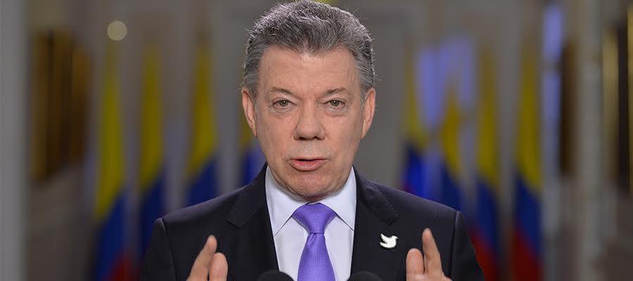 Santos invitando a votar