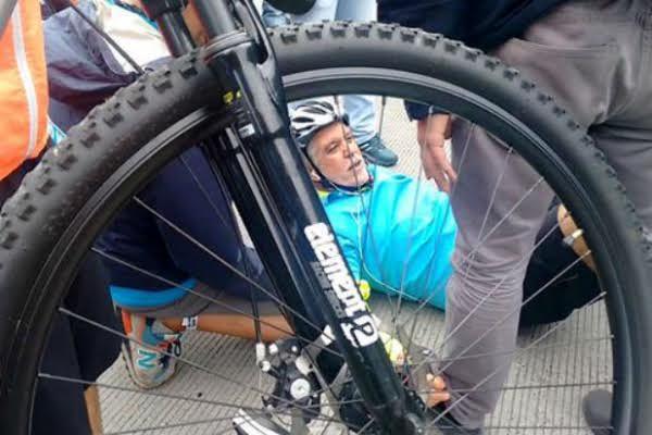 enrique peñalosa se cayo de la bicicleta
