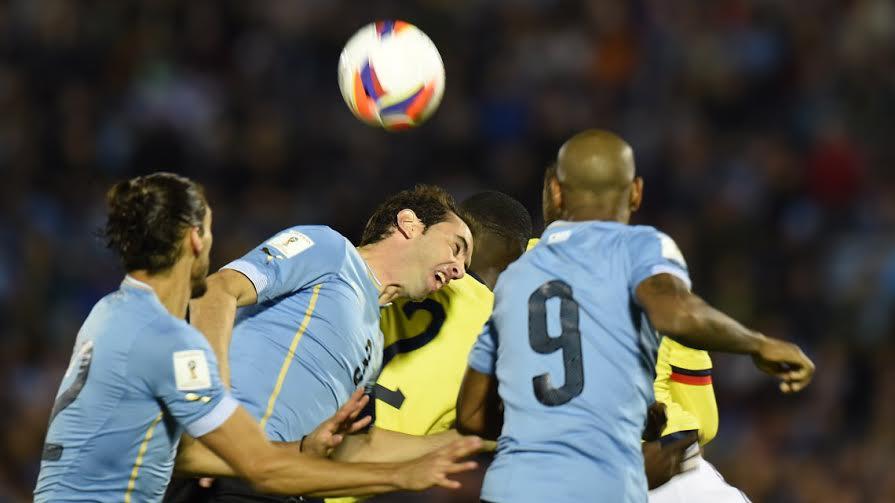 uruguay goleo a colombia. gol de godin. oct 13 de 015