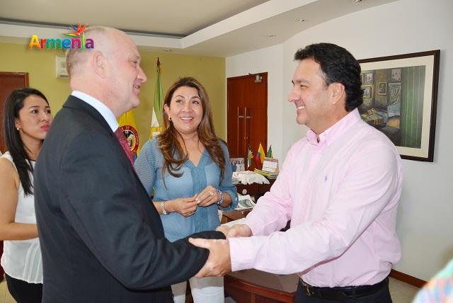 Bo Mathiesen, y el alcalde Carlos Mario Álvarez Morales