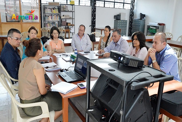 becas docentes armenia