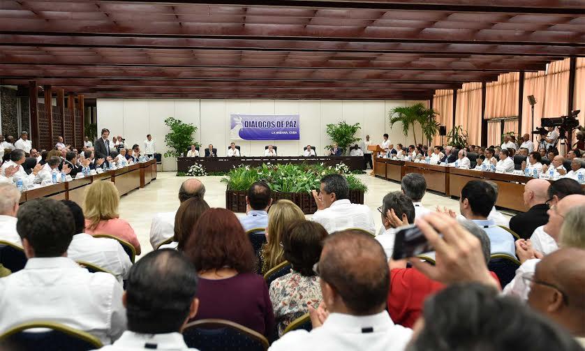 En el Salón de protocolo de El Laguito avanza el evento de la firma del acuerdo para el cese al fuego y de hostilidades bilateral y definitivo y la dejación de armas, entre el Gobierno y las Farc.