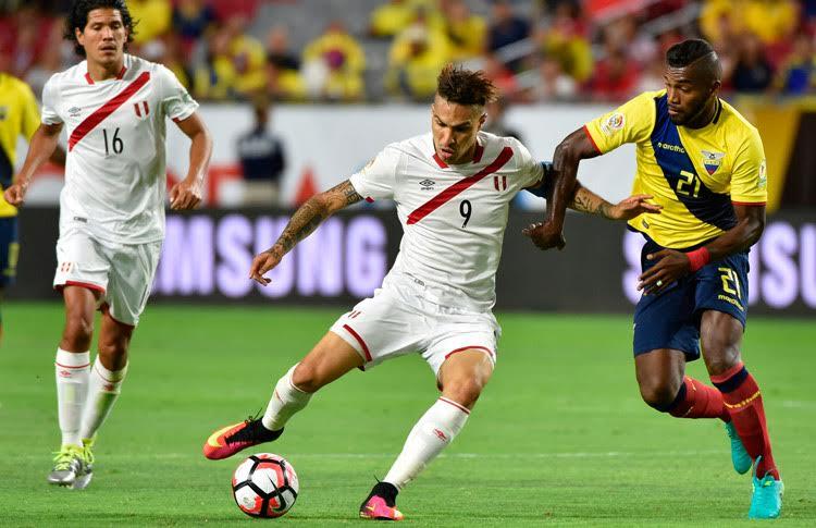 Perú y Ecuador igualan 2-2