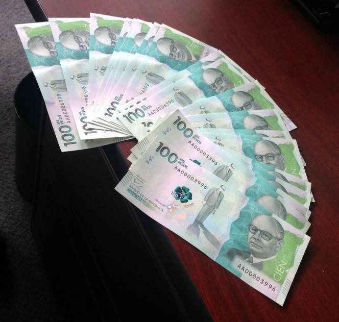 billetes de cien mil pesos
