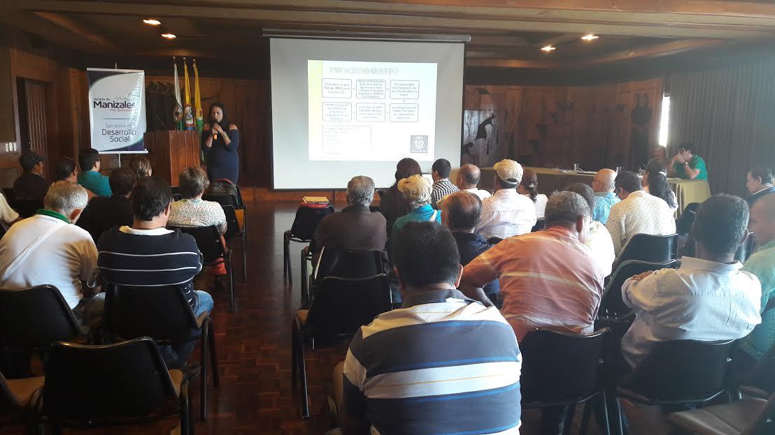 Capacitacion presidentes y dignatarios comunales manizales