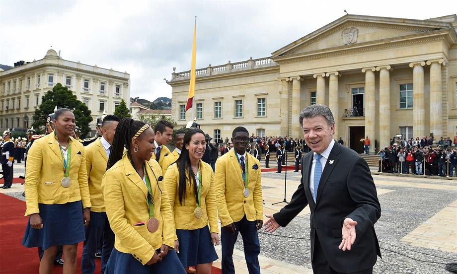 Deportistas olimpicos con Santos agosto 31 dde 016