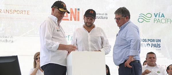 Doble calzada Buga - Buenaventura vargas lleras firma el acta