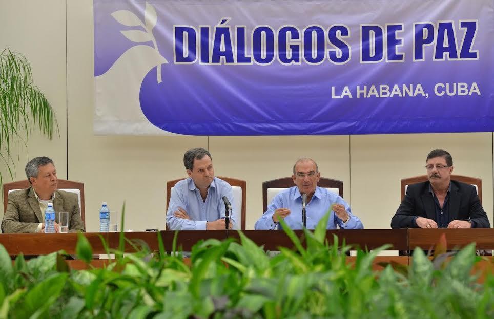 Gobierno y Farc anuncian acuerdo de protocolo