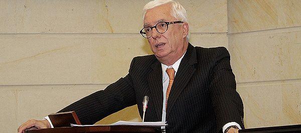 Jorge Enrique Robledo debate a Saludcoop
