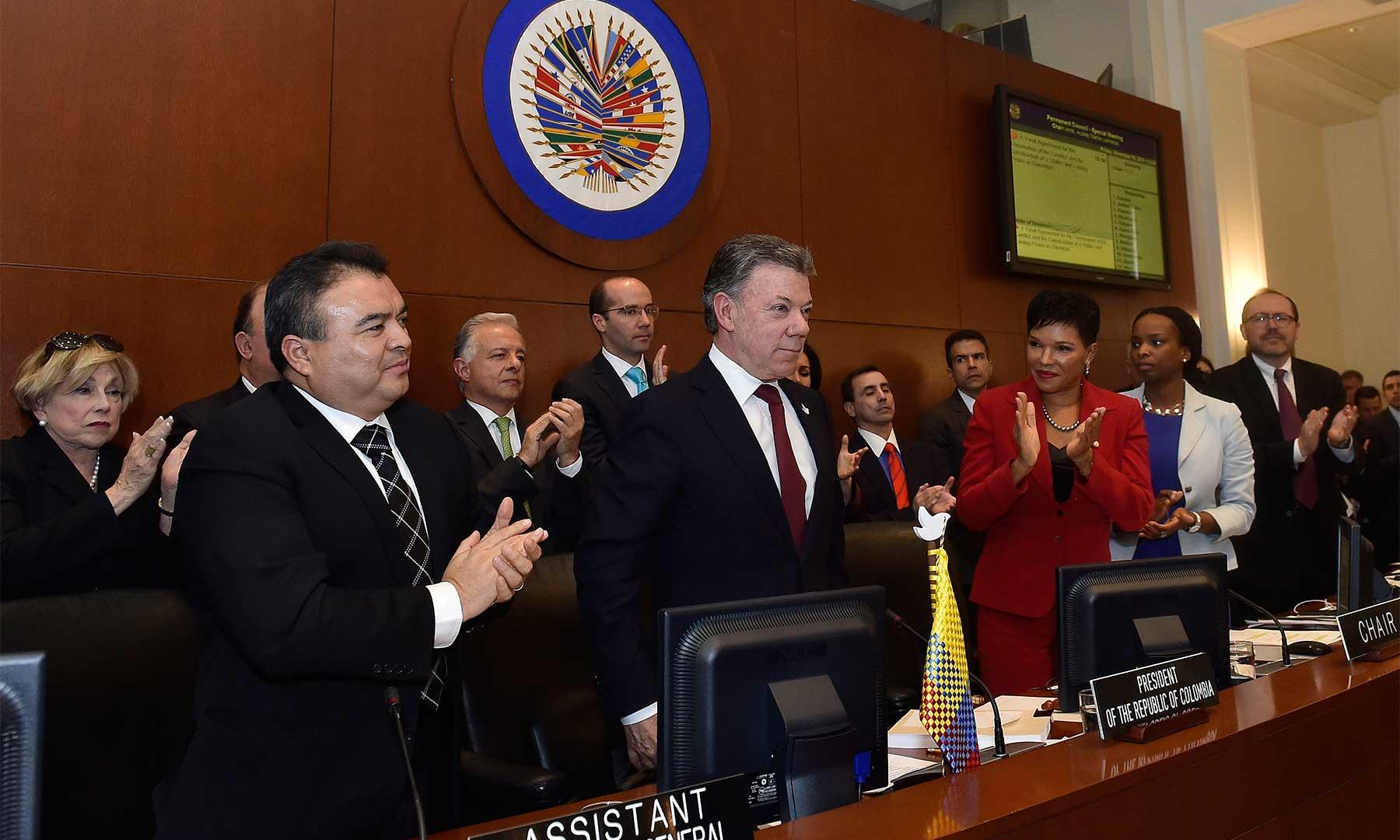 Respaldo unánime a los esfuerzos del Presidente Santos por lograr la paz, brindó el Consejo Permanente de la OEA, cuyos miembros felicitaron el otorgamiento del Premio Nobel de Paz.