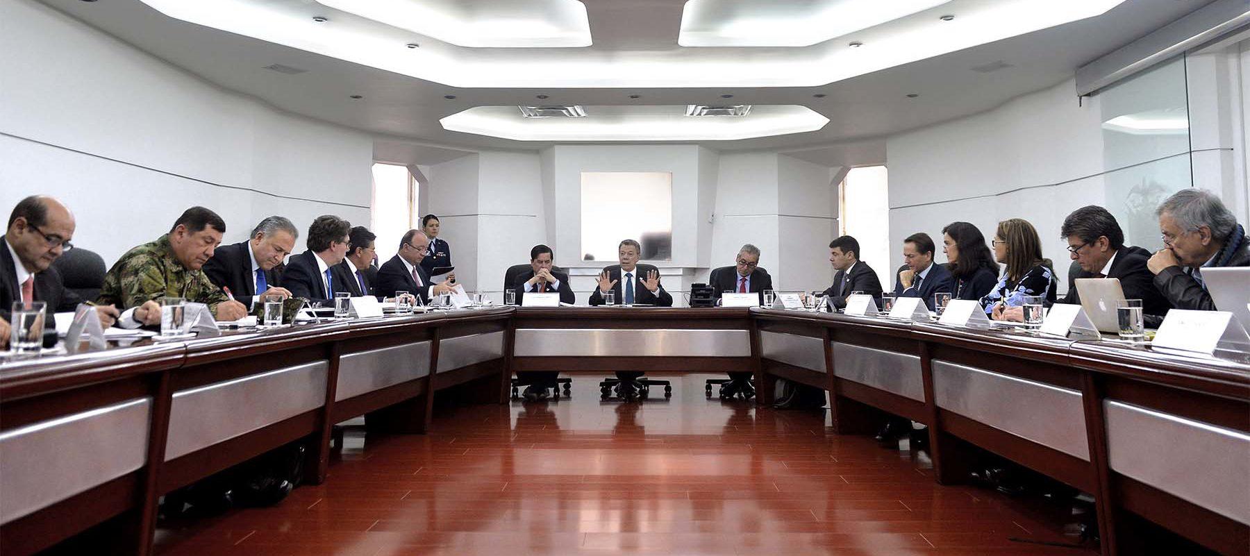 El Presidente Juan Manuel Santos lideró una reunión de la Comisión Nacional de Garantías de Seguridad, en la que se hizo un seguimiento a las medidas de protección a líderes de derechos humanos.