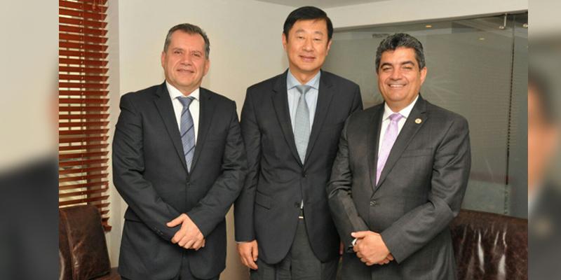li-nian-ping-embajador-de-china