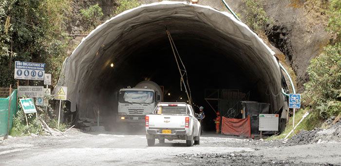 tunel-de-la-linea-diciembre-de-2016
