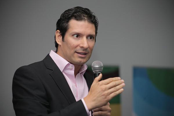 Resultado de imagen para Francisco Valencia, gerente de Aguas y Aguas
