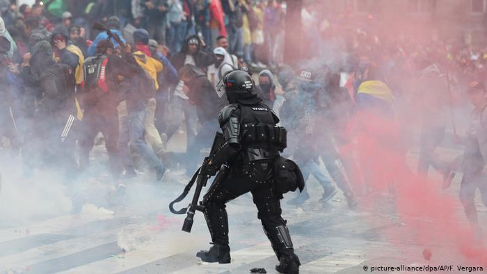 El Esmad, la fuerza más temida para disolver manifestaciones en Colombia -  Eje21